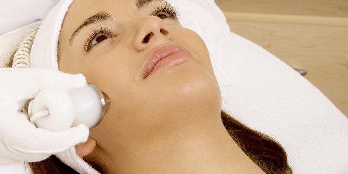 Pros And Cons Of Treating Acne Scar With Laser Therapy
